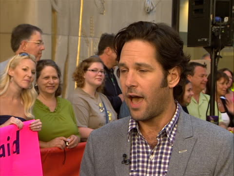 """vídeos y material grabado en eventos de stock de paul rudd """"yea this was a really, kind of, great experience in that a lot of us have worked together numerous times and so. elizabeth banks and i... - guionista"""