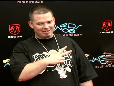 paul wall at the 2006 bet awards arrivals at the shrine auditorium in los angeles california on june 27 2006 - black entertainment television stock videos & royalty-free footage