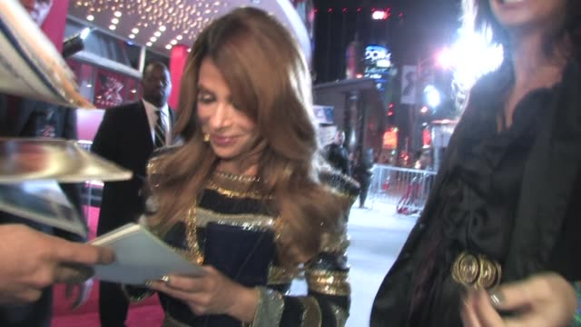 paula abdul at 'the x factor' world premiere at the arclight cinerama dome in hollywood on 9/14/2011 - cinerama dome hollywood stock videos & royalty-free footage