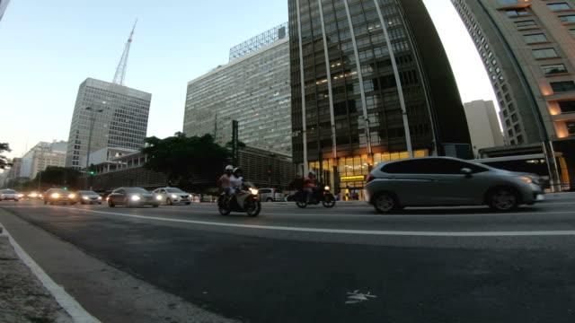 vidéos et rushes de avenue paulista - brésil - avenue