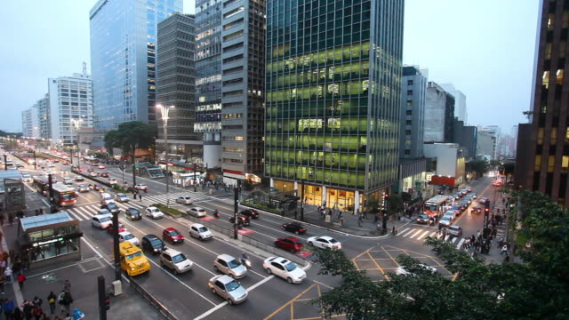 paulista avenue, elevated view at dusk, sao paulo, brazil - latin america stock videos & royalty-free footage