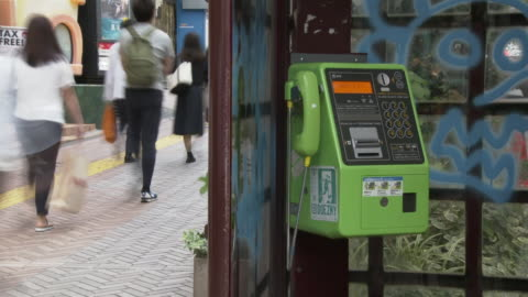 time-lapse, pay phone in box, tokyo, japan - telefonzelle stock-videos und b-roll-filmmaterial