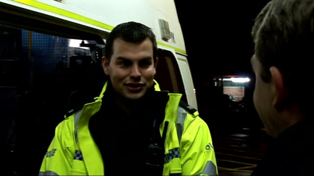 stockvideo's en b-roll-footage met police protest in london over 'unfair' pay deal; january 2008 pc brian gibbs interview sot - ongerechtigheid
