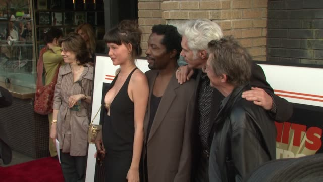 stockvideo's en b-roll-footage met paz de la huerta isaach de bankole jim jarmusch and john hurt at the the new york special screening of 'the limits of control' at new york ny - la paz filmtitel