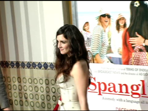 paz vega at the 'spanglish' premiere at the mann village theatre in westwood california on december 9 2004 - spanglish stock videos & royalty-free footage