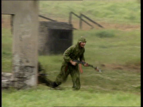 peace kepping forces itn location unknown ms side russian soldiers running rl and dropping to the ground ad gun fire heard sof during training... - unknown russian soldier stock videos & royalty-free footage