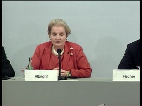peace talks/nato strikes; madeleine albright press conference sot sitting next to german foreign minister joschka fischer - appendix to this... - 人の大腸点の映像素材/bロール