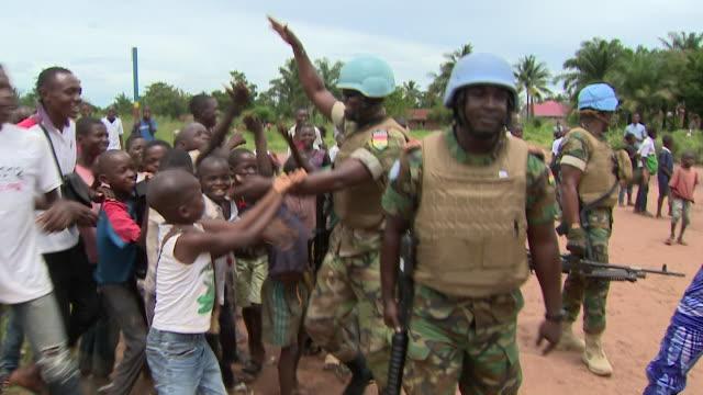 un peacekeeping forces in kasai congo - 平和維持点の映像素材/bロール