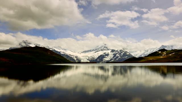 Erste peak und See von Interlaken in der Schweiz