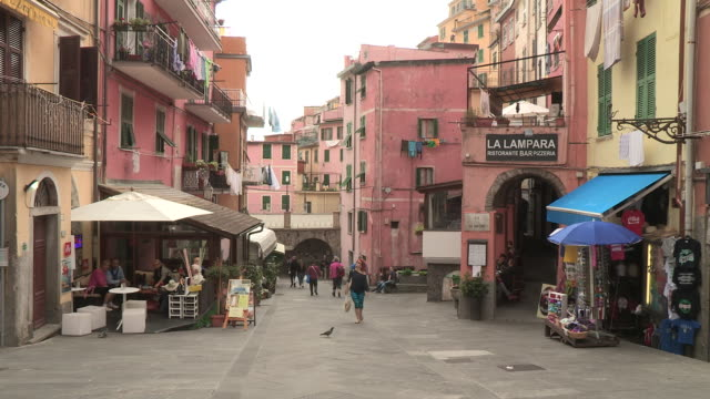 pedestrian alley, cinque terre, italy - western script stock videos & royalty-free footage