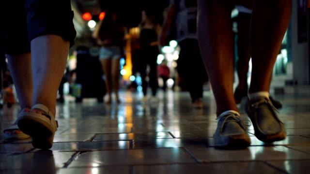 大理石通りの歩行者