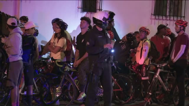 ktla pedestrians and cyclists had gathered for the vigil remembering cyclist frederick frazier who was killed after being struck by the driver of a... - verkehrsunfall stock-videos und b-roll-filmmaterial