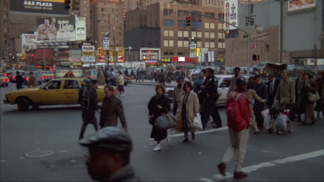 pedestrians cross an intersection in new york city. - unknown gender stock videos & royalty-free footage