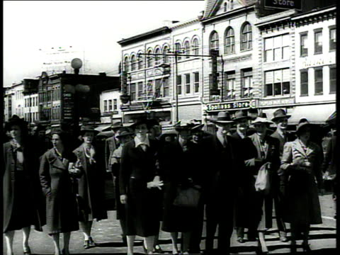 1939 ws pedestrians walking across street / richmond, virginia, usa - richmond virginia stock videos & royalty-free footage
