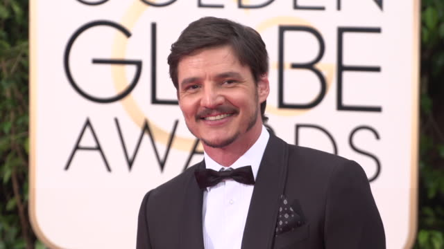 pedro pascal at 73rd annual golden globe awards arrivals at the beverly hilton hotel on january 10 2016 in beverly hills california 4k - pedro pascal stock videos & royalty-free footage