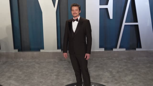 pedro pascal at vanity fair oscar party at wallis annenberg center for the performing arts on february 09 2020 in beverly hills california - pedro pascal stock videos & royalty-free footage