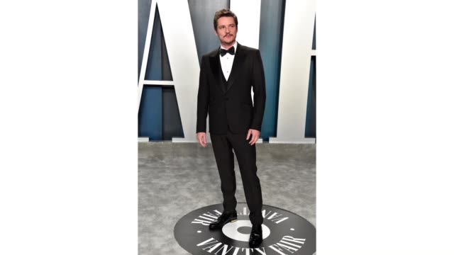pedro pascal attends the 2020 vanity fair oscar party hosted by radhika jones at wallis annenberg center for the performing arts on february 09, 2020... - vanity fair oscar party stock videos & royalty-free footage