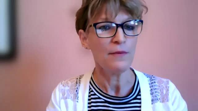 vídeos de stock, filmes e b-roll de pegasus surveillance malware used to target political dissidents; location unknown: agnes callamard interview via the internet sot england: london:... - computador desktop