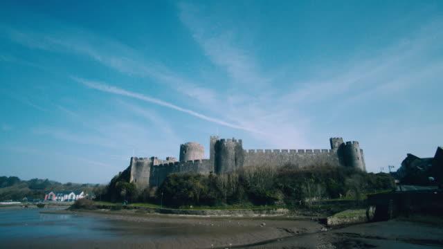 ws pembroke castle in the daytime / pembroke, wales, united kingdom - pembroke stock videos & royalty-free footage