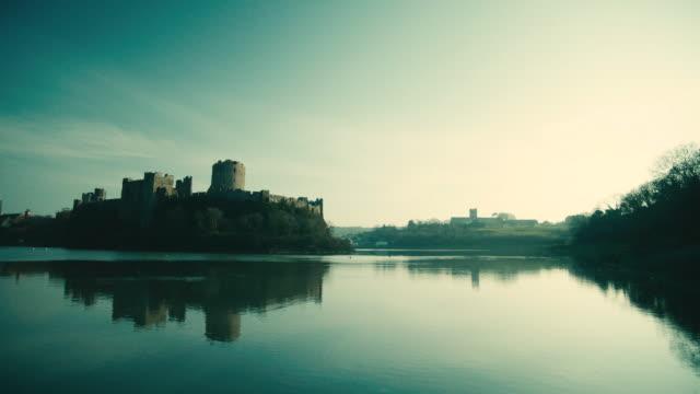 ws pembroke castle in the distance / pembroke, wales, united kingdom - ペンブローク点の映像素材/bロール