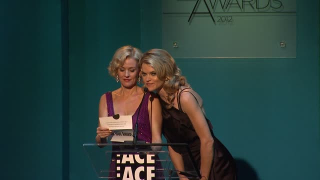 vídeos de stock, filmes e b-roll de penelope ann miller missi pyle at 62nd annual ace eddie awards on 2/18/12 in los angeles ca - missi pyle