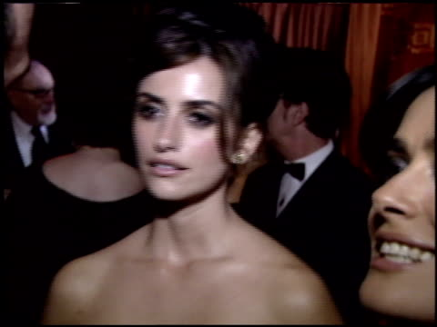 Penelope Cruz at the 2005 Academy Awards Ballroom at the Kodak Theatre in Hollywood California on February 27 2005