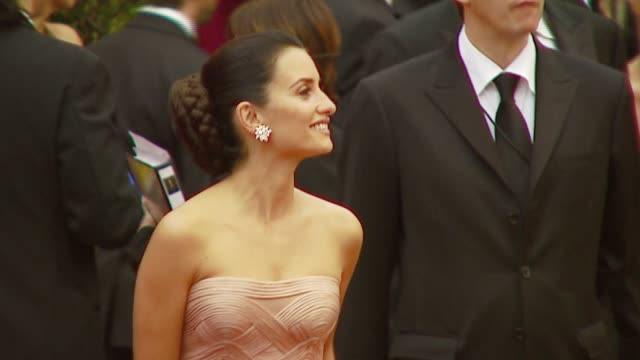 penelope cruz at the 2007 academy awards arrivals at the kodak theatre in hollywood california on february 25 2007 - 2007 stock videos & royalty-free footage