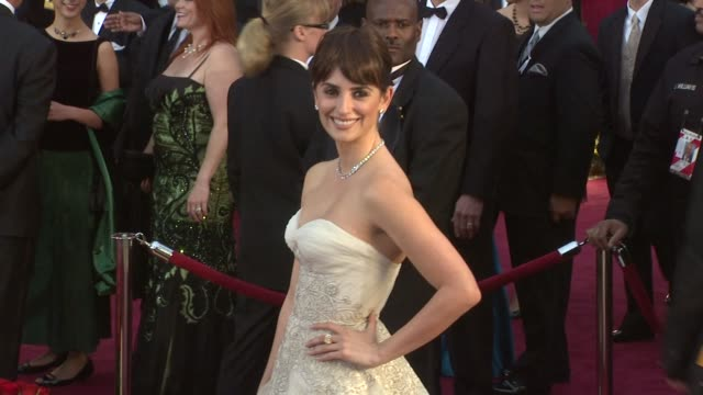 vidéos et rushes de penelope cruz at the 81st academy awards arrivals part 3 at los angeles ca. - penélope cruz