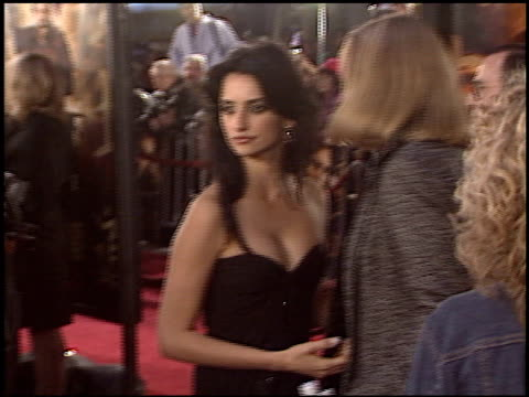 Penelope Cruz at the Premiere of 'The Last Samurai' on December 1 2003