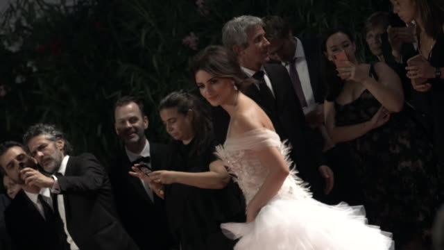 slomo penelope cruz at 'wasp network' red carpet arrivals 76th venice film festival on september 01 2019 in venice italy - penélope cruz stock videos & royalty-free footage