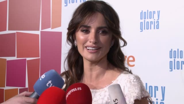 penelope cruz attends premiere of dolor y gloria movie by pedro almodovar - penélope cruz stock videos & royalty-free footage