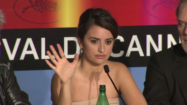 Penelope Cruz on working with Almodovar and shooting a love scene at the Cannes Film Festival 2009 Broken Embraces Press Conference at Cannes
