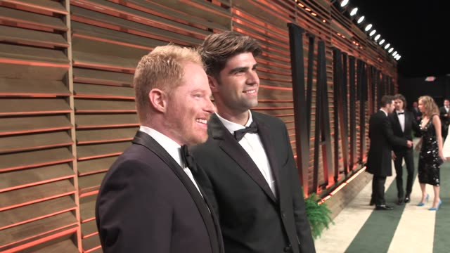 vídeos de stock, filmes e b-roll de montage penélope cruz molly sims jesse tyler ferguson kate beckinsale christina hendricks 2014 vanity fair oscar party hosted by graydon carter... - penélope cruz