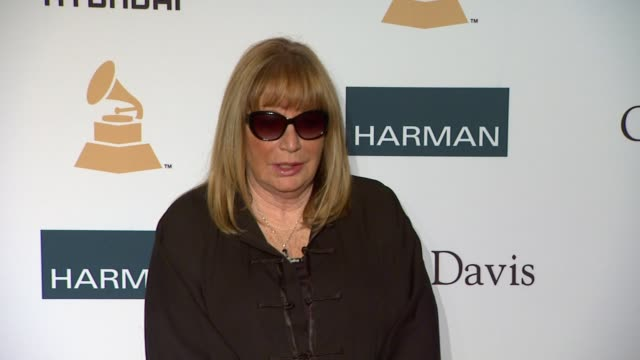 penny marshall at clive davis and the recording academy's 2012 pregrammy gala and salute to industry icons honoring richard branson on 2/11/12 in... - ペニー マーシャル点の映像素材/bロール