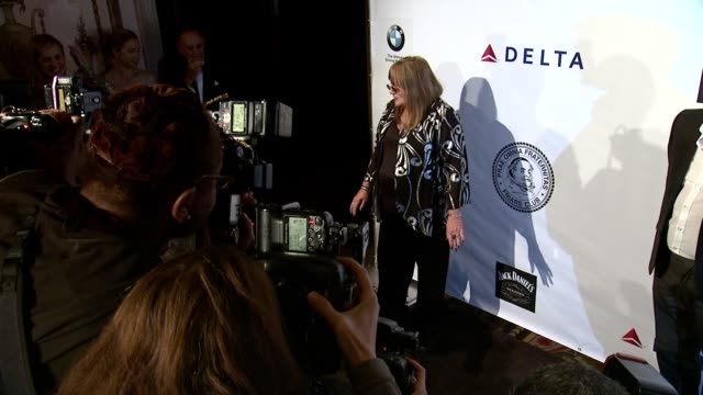 penny marshall at friars foundation gala honoring robert de niro and carlos slim at the waldorf=astoria on october 07 2014 in new york city - waldorf astoria new york stock videos & royalty-free footage
