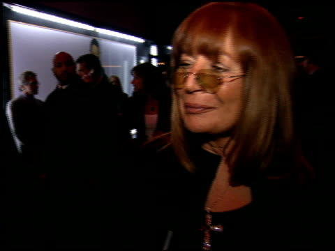penny marshall at the billy crystal 700 sundays at wilshire theatre in beverly hills california on january 12 2006 - ペニー マーシャル点の映像素材/bロール