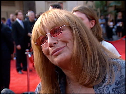 vídeos de stock, filmes e b-roll de penny marshall at the espy awards at the kodak theatre in hollywood california on july 10 2002 - espy awards