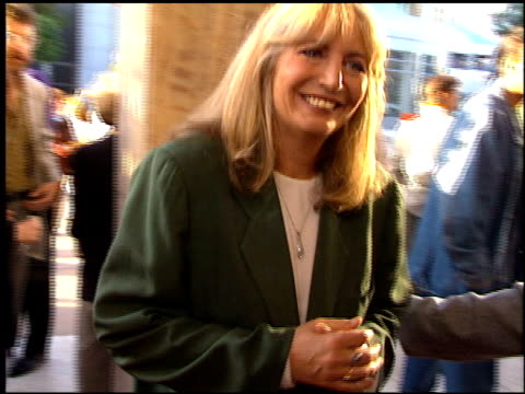 penny marshall at the 'renaissance man' premiere on may 31 1994 - penny marshall stock videos & royalty-free footage