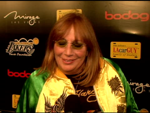 penny marshall on being a laker fan and a basketball fan why the event is important supporting causes for children at the la lakers 3rd annual las... - ペニー マーシャル点の映像素材/bロール