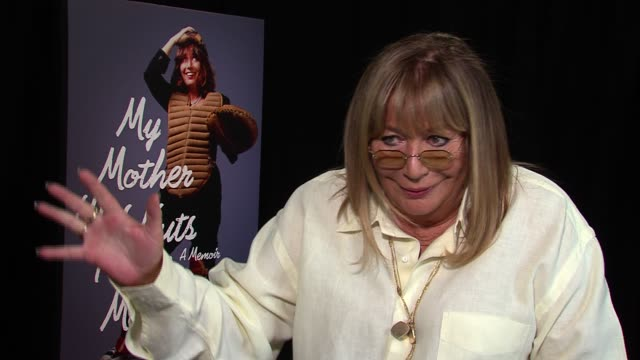penny marshall on not competing with the male dominated group of comedians who would hang out at her house when she lived with rob reiner at my... - ペニー マーシャル点の映像素材/bロール