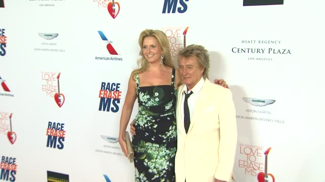 penny stewart, rod stewart at the 20th annual race to erase love to erase on 5/3/13 in los angeles, ca . - rod stewart stock-videos und b-roll-filmmaterial
