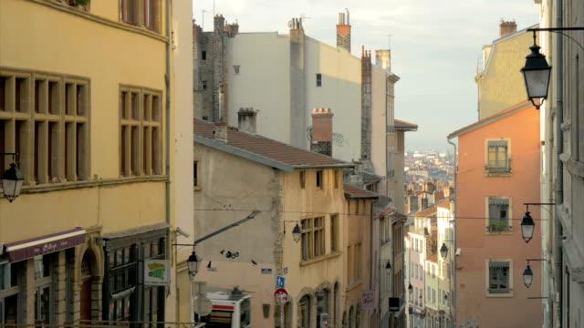 vidéos et rushes de pentes de la croix-rousse with tram,lyon,zi - tram