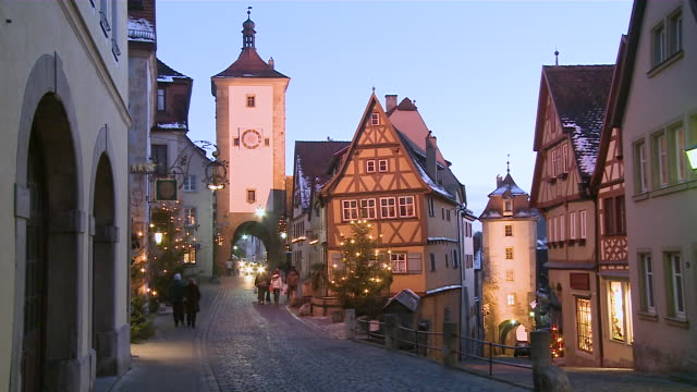 ms people and cars moving on street  / rothenburg o.d. tauber, bavaria, germany - rothenburg stock videos and b-roll footage
