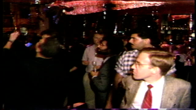 people at a party in nyc - pop music stock-videos und b-roll-filmmaterial