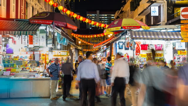 TL MS People at chinatown market at night
