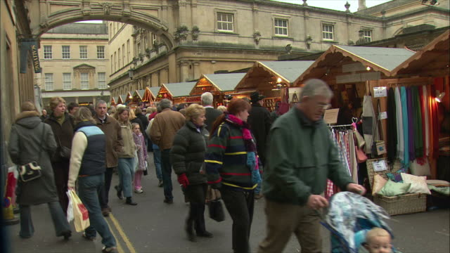 WS People at Christmas market / Bath, Somerset, United Kingdom