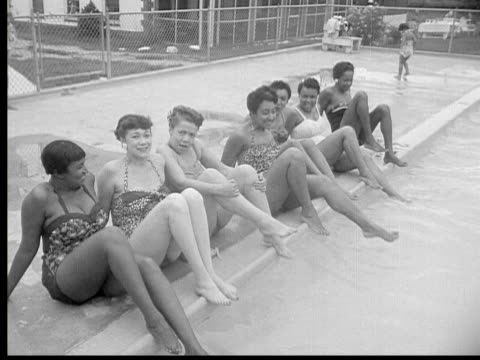 1956 b/w montage people at gathering of washington continentals, swimming in pool, colton, maryland, usa, audio - 室外プール点の映像素材/bロール