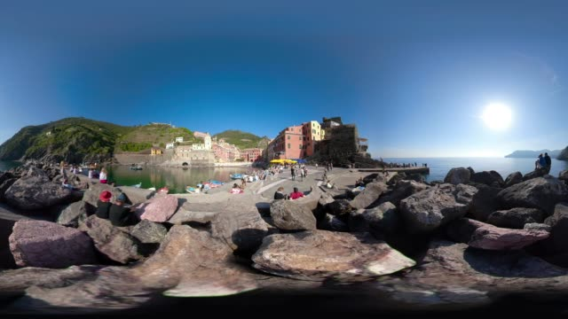 360 VR / People at port of italian village Vernazza