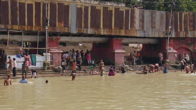 ws people bathing in hooghly riverside / kolkata, west bengal, india - hooghly river stock videos & royalty-free footage