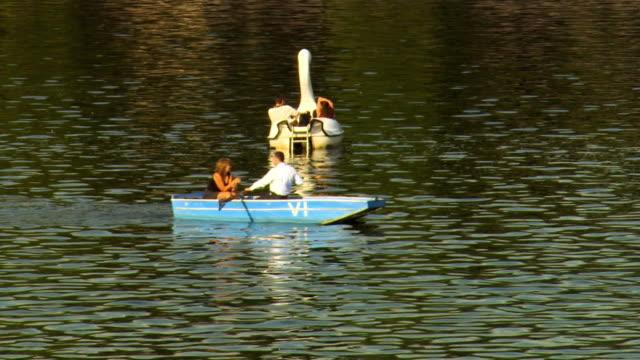 ws people boating on river vltava / prague, czech republic - river vltava stock videos & royalty-free footage